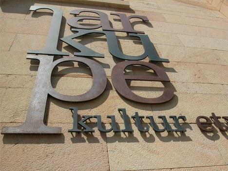 Bases para la concesión de subvenciones para realización de proyectos y programas culturales en el 2011
