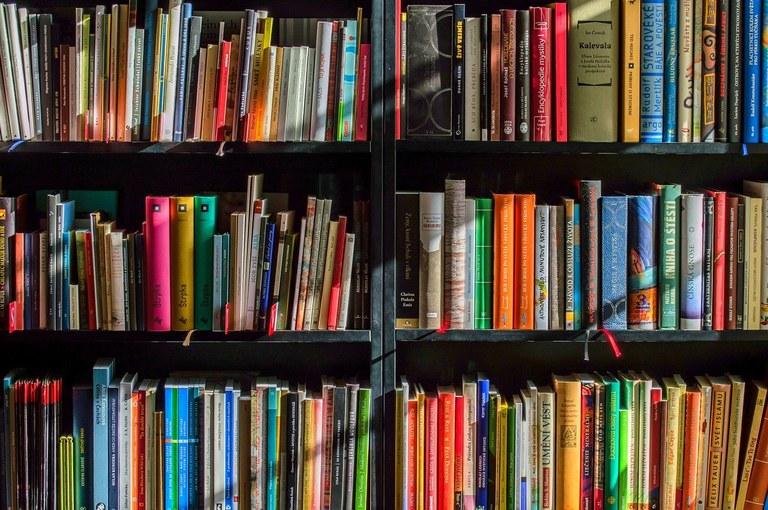 Caja para devolución de libros prestados en Arkupe