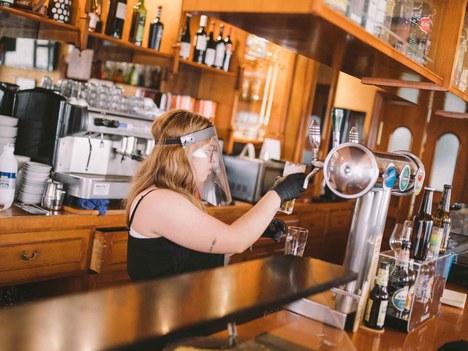 El Ayuntamiento crea una línea de subvenciones directas a la hostelería