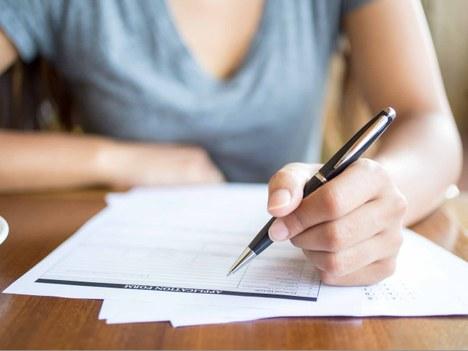 El Consistorio va a contratar a un/una administrativo para doce meses