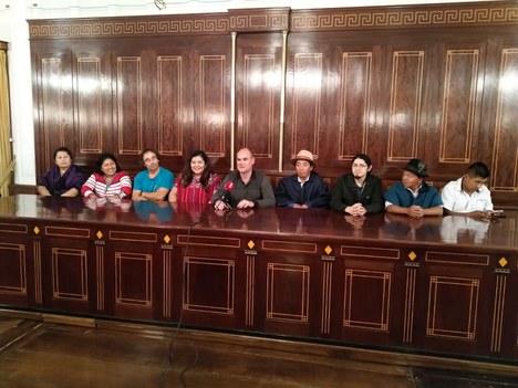 Recibimiento a los participantes en el curso de revitalización de la lengua