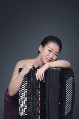 Jianan Tian akordeoilaria