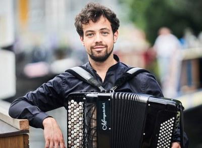 Samuele Telari akordeoilaria